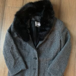 Tweed blazer with fake fur removable collar